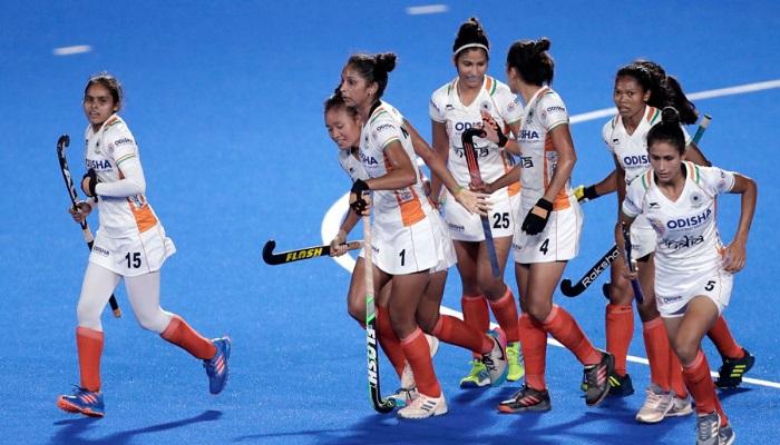 india womens hockey team raises