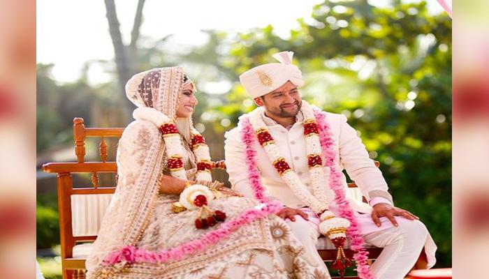 Aftab Shivdasani marriage anniversary