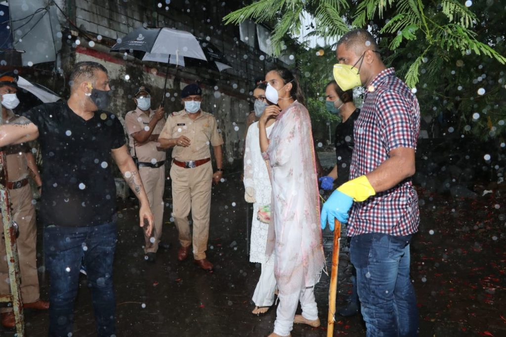 Sushant funeral live