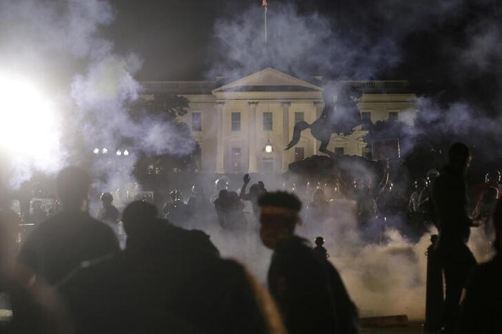Trump threatens deploy military