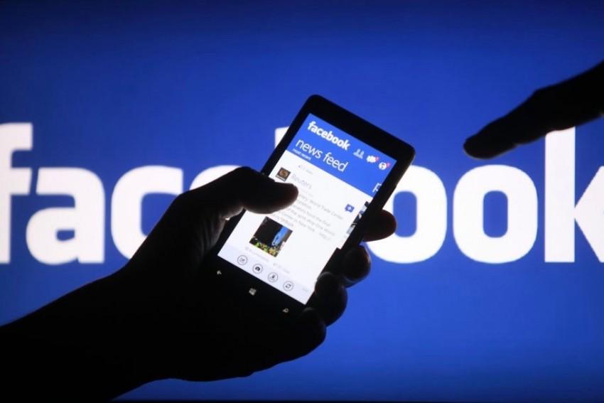 Facebook label rule breaking posts