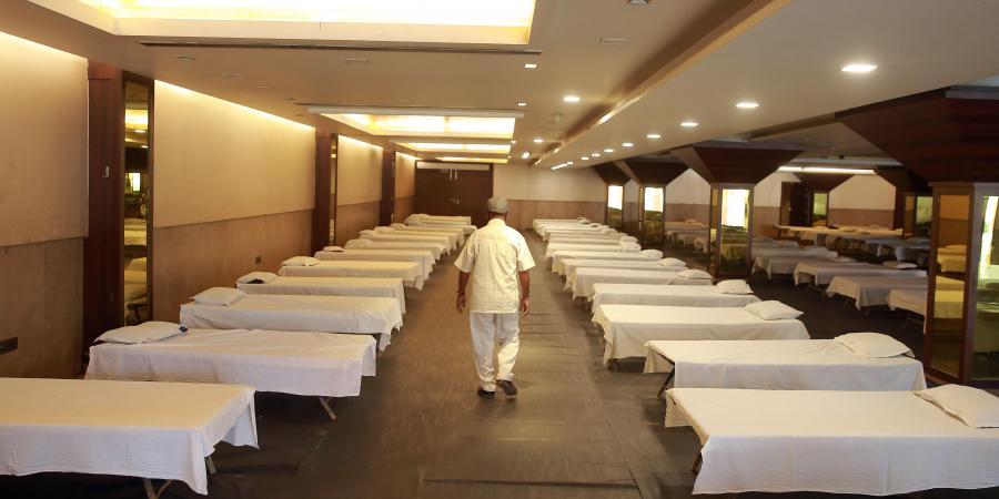 Kejriwal orders delinking of hotels