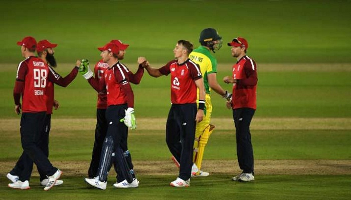 england beat australia by 2 runs