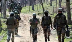 kashmir terrorist caught in police encounter
