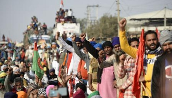 Farmers detained for demanding
