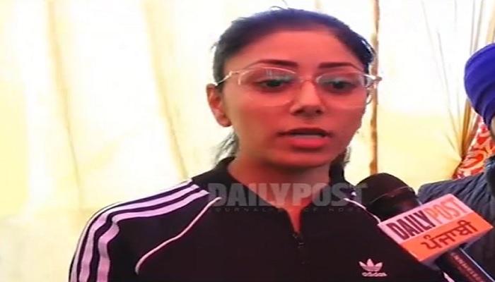 Punjab Girl reached at Kundali Border