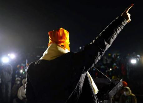 Kejriwal visits Singhu border