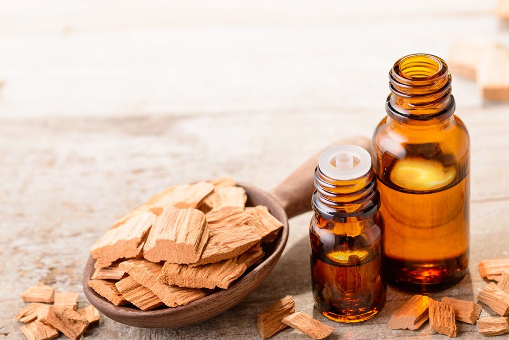 Thyroid essentials oils