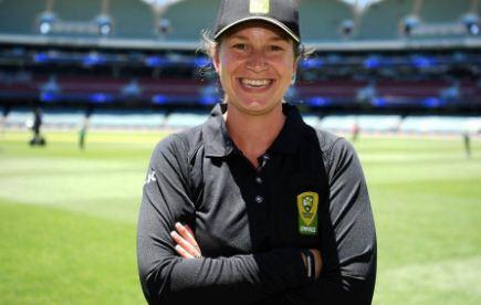 female umpire men Test