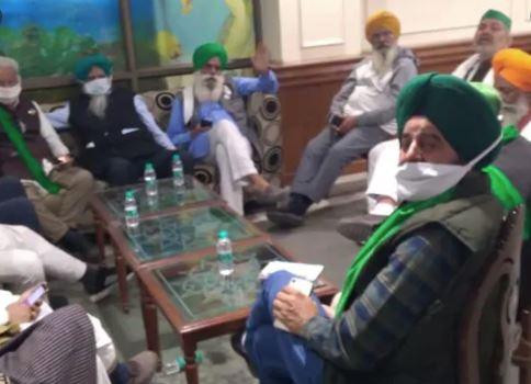 Sanyukta Kisan Morcha suspends