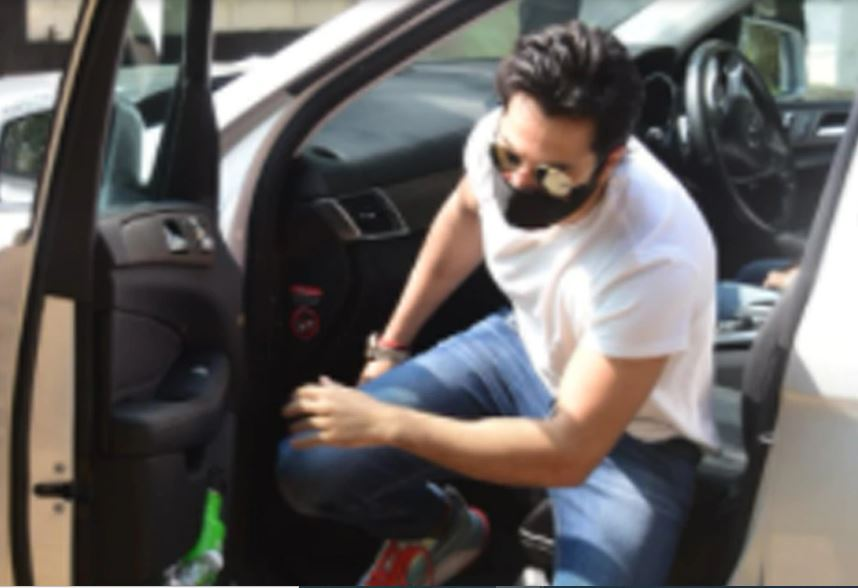 Varun Dhawan's car had an accident