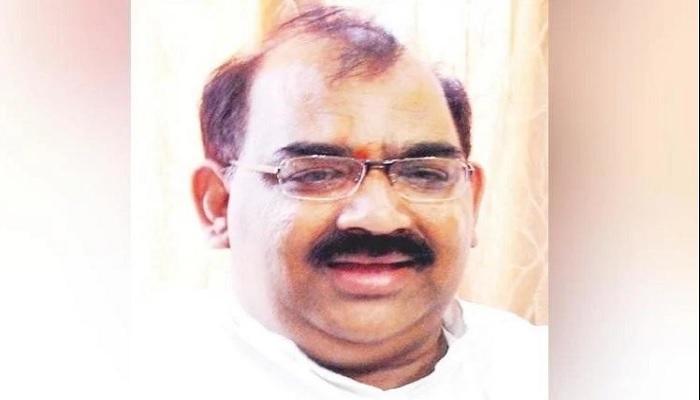 Farmers surround BJP
