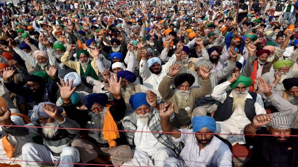 Farmers at Singhu Border nab masked man