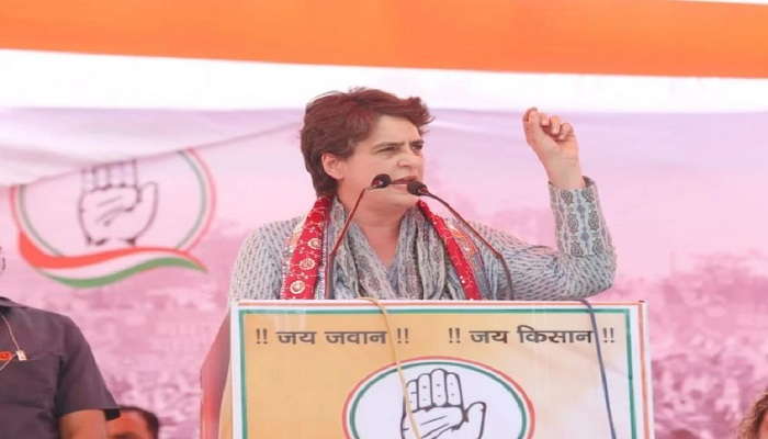 Priyanka gandhi addresses rally in mathura