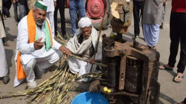 Farmers planted crusher on Ghazipur border