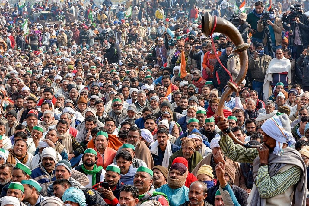 Large number of farmers continue to march
