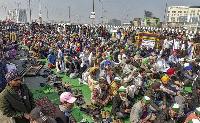 farmers at Ghazipur border