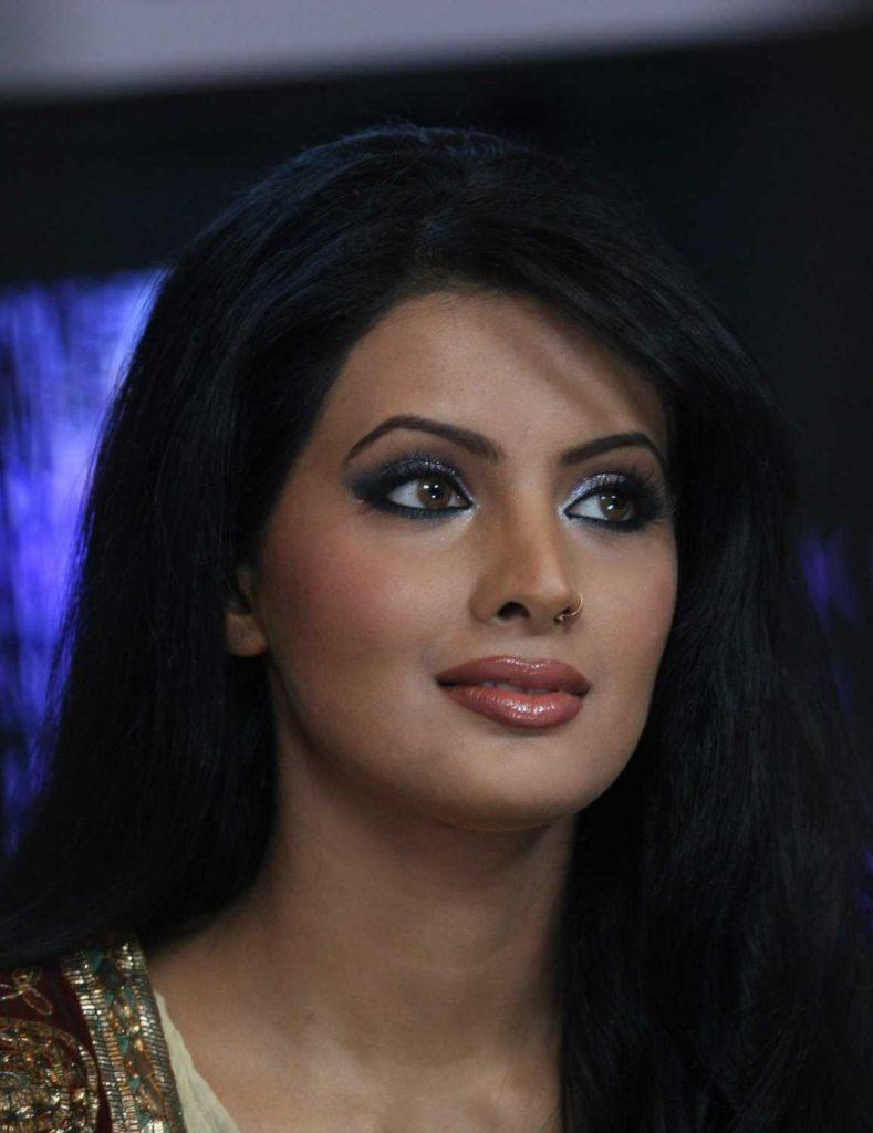 Today Geeta Basra's Birthday