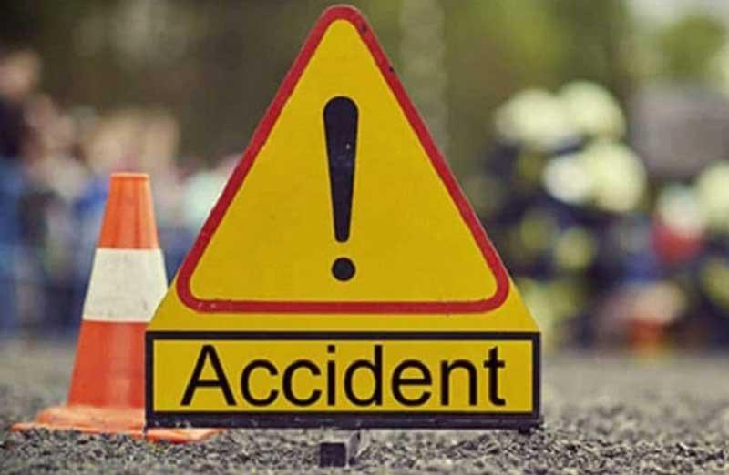 speeding Mercedes collided