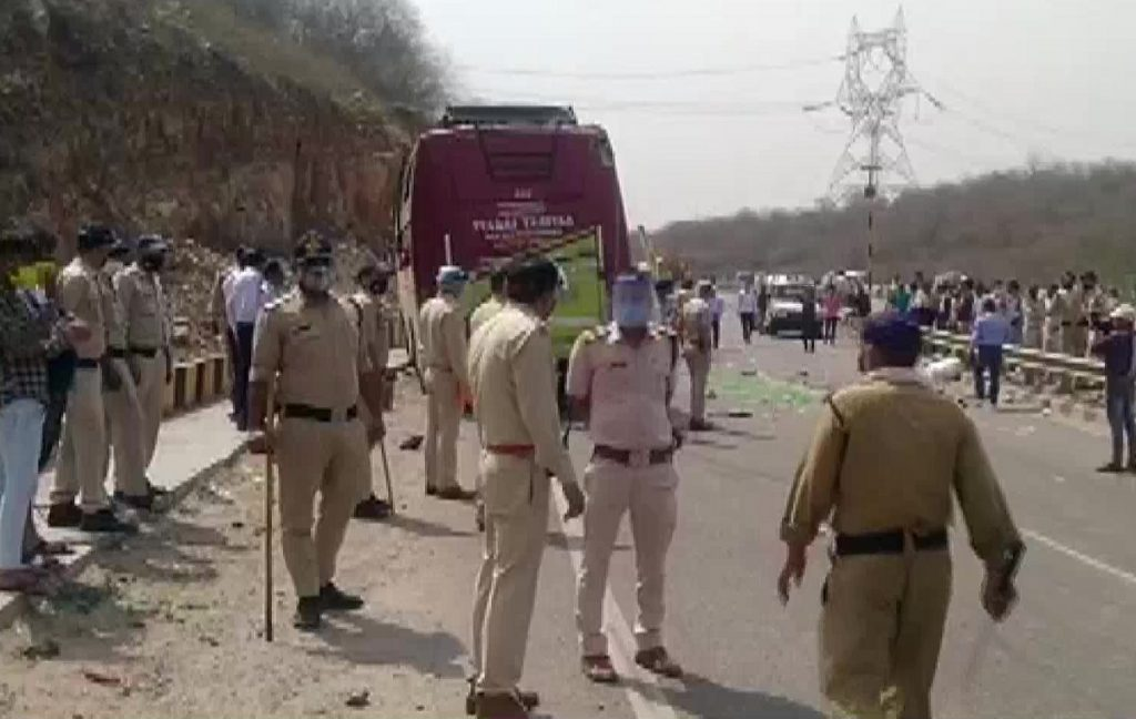 Migrant workers bus accident in tikamgarh