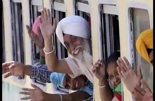 Pakistan 60 sikh pilgrims