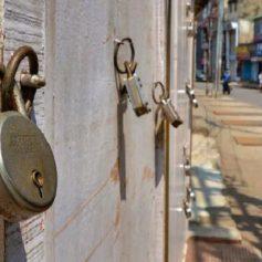 Pinarayi vijayan declared complete lockdown