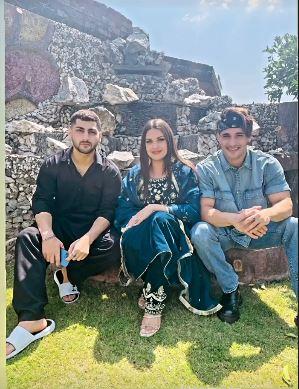himanshi khurana celebrated eid with asim