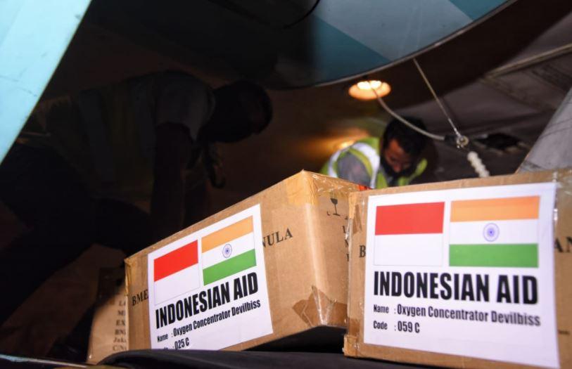 India receives 200 oxygen concentrators