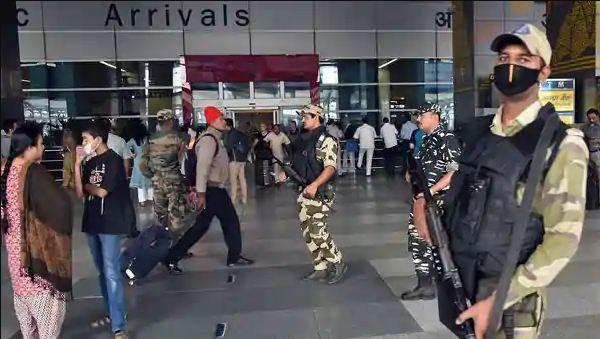 Delhi igi airport bomb call