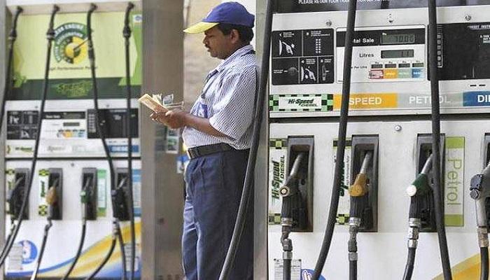 Congress protest at petrol pumps