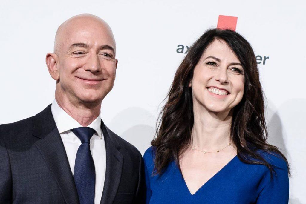 Jeff Bezos ex-wife donates