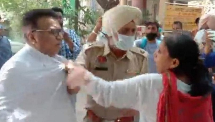 Clash between two advocates jalandhar