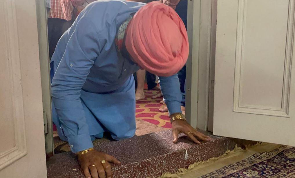 Navjot Singh Sidhu paid obeisance