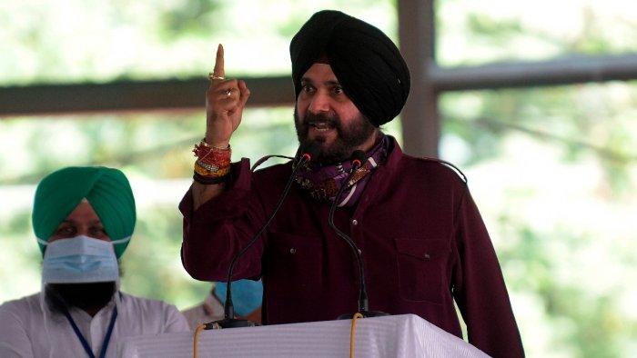 Navjot Singh Sidhu will pay obesiance