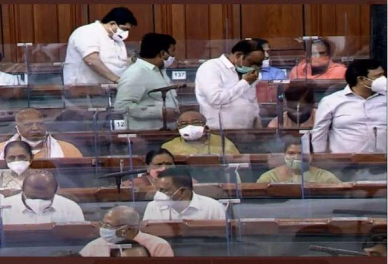 PM Modi attacks Congress Govt