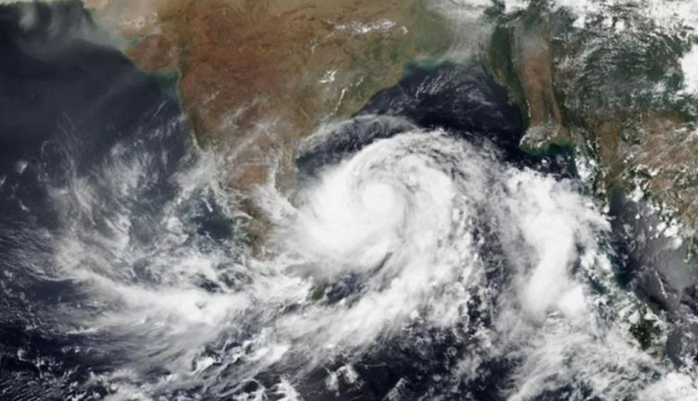 Cyclone Gulab to make landfall