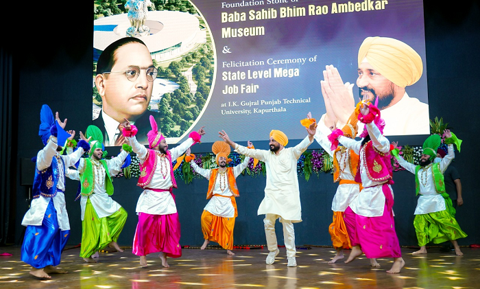 CM danced with the performers