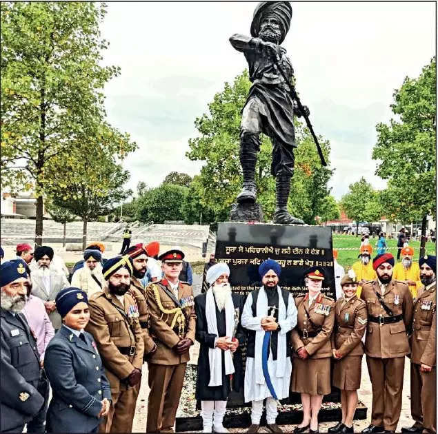 UK Saragarhi Bronze monument