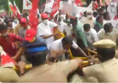 Tamil Nadu protesters clash with police